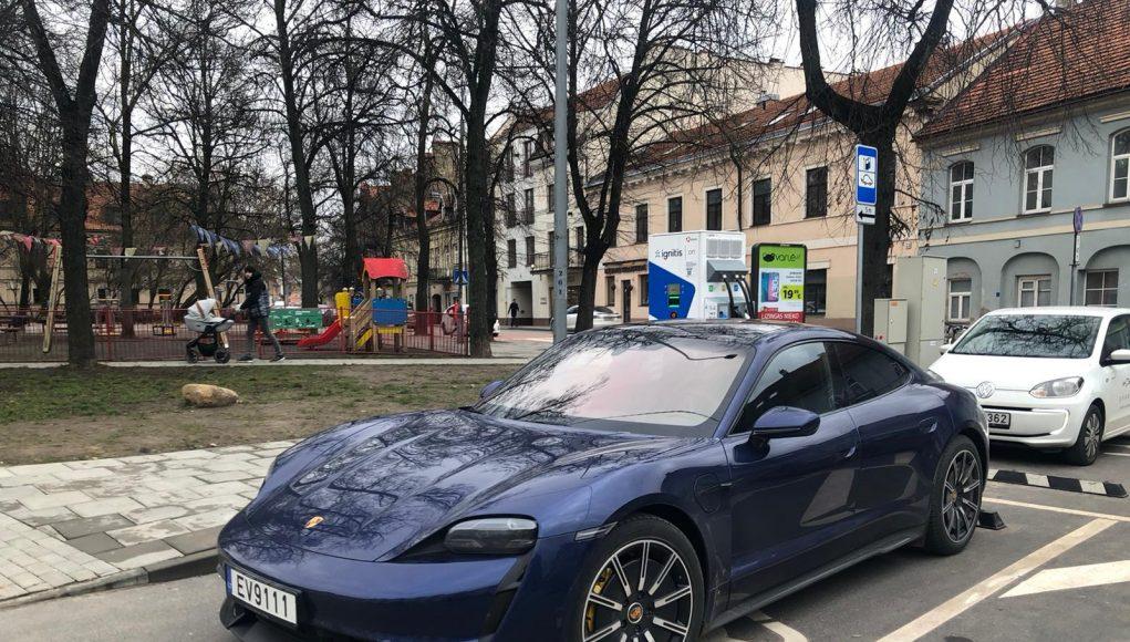 Greito įkrovimo stotelės Lietuvoje