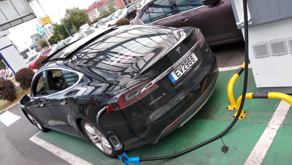 kelionės elektromobiliu